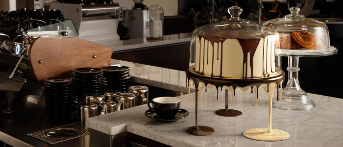 Slider Heart Cafe Cake Stand